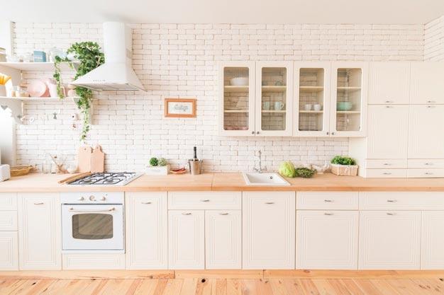 Optimiza el espacio con una cocina lineal